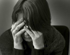 femme isolée à cause de son homme PN